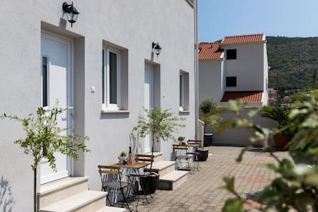 Apartments Siblings - Standard One Bedroom Apartment with Terrace and Garden View