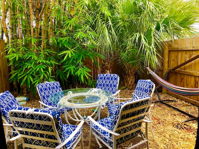 *** Bamboo Paradise by the Port and Beach ***