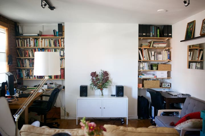Cozy apartment in DUMBO