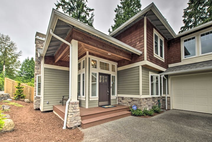 NEW! Family Home: Game Room & Gym, 13Mi to Seattle