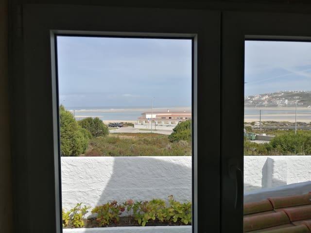 Beach House by Óbidos Lagoon and Sea