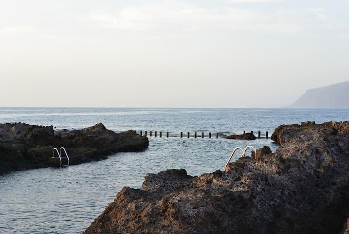 Домик на берегу океана, вай фай, рядом пляж! - Alcalá - Dům