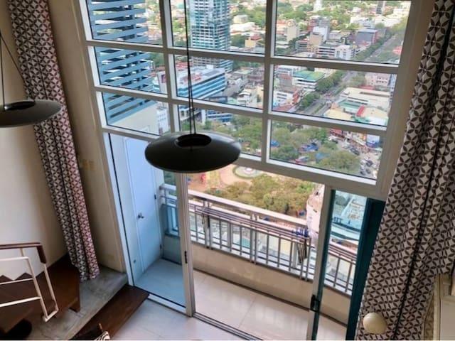 Penthouse Loft With Panoramic Views