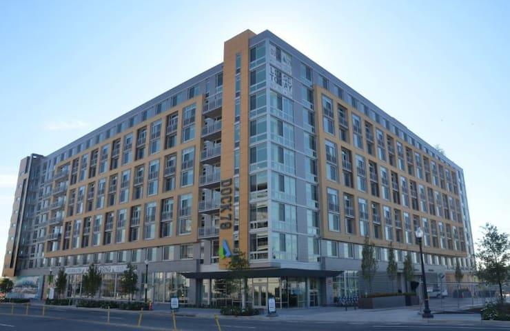 A Baseball Throw away from Nationals Park - Waszyngton - Apartament