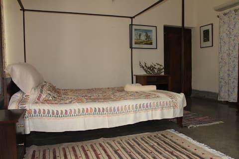 Big A/C Double bedroom with en-suite bath
