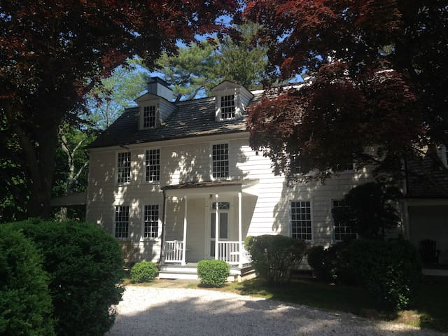 Historic spacious home near city - Saint James - Ev