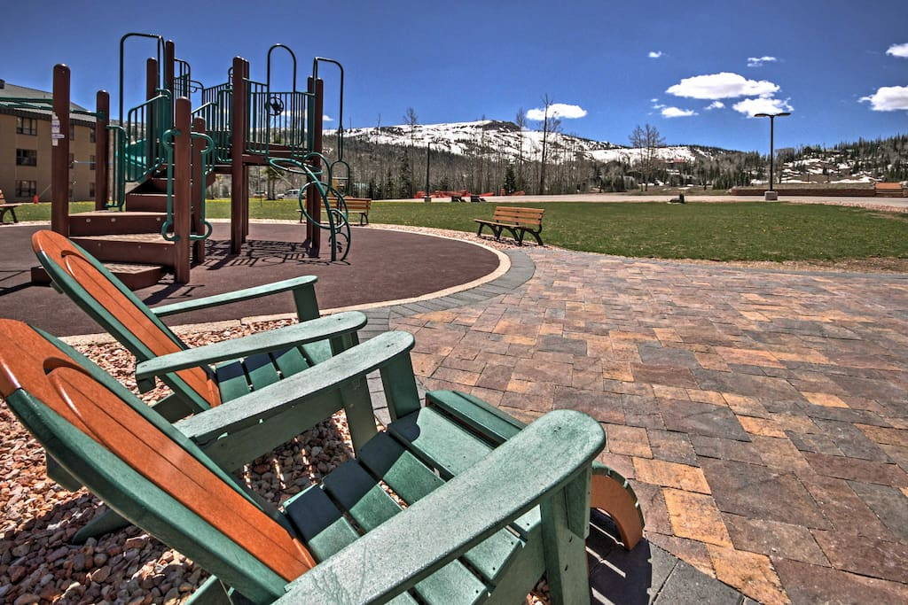 Run around on the playground or relax in the lawn chairs and admire the splendid mountain views.