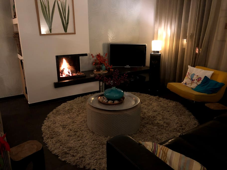 Cosy evenings at the fireplace!