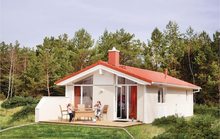 Holiday cottage with 2 bedrooms on 57 m² DTI609