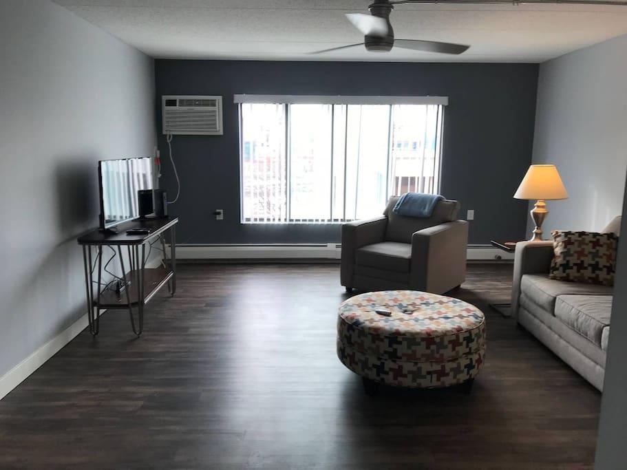 full living room photo