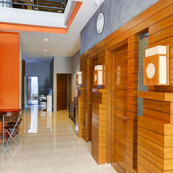Hallway / Corridor