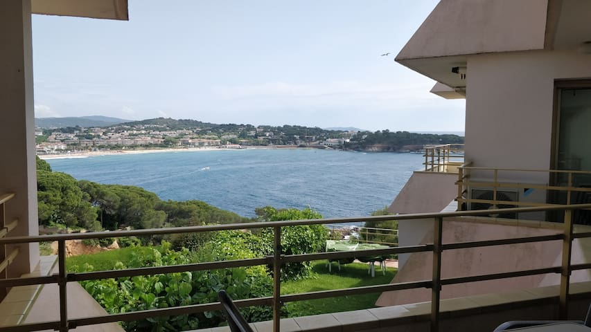 Gorgeous Sea View 1 bedroom apartment.