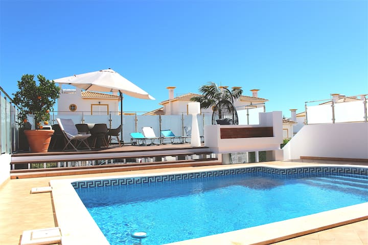 Villa 4 chambres et piscine privative á Albufeira