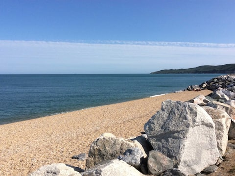 Beesands | The Garden Room, Valseph