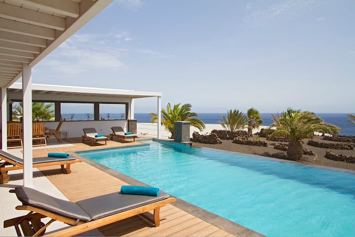 Villa Luna Mar, Infinity Heated Pool, Sea Views