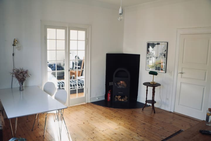 Lovely room in classy Copenhagen-style apartment
