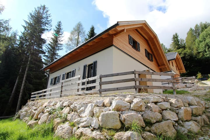 Modern Chalet near Ski Area in Bad Kleinkirchheim