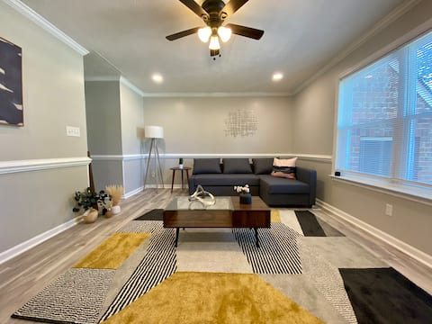 Centrally Located Hampton ✅Langley Air ✅King Bed❗️