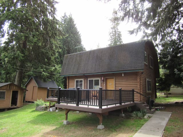 Heartsease Log Cabin--Whidbey Island - 蘭里市(Langley) - 小木屋