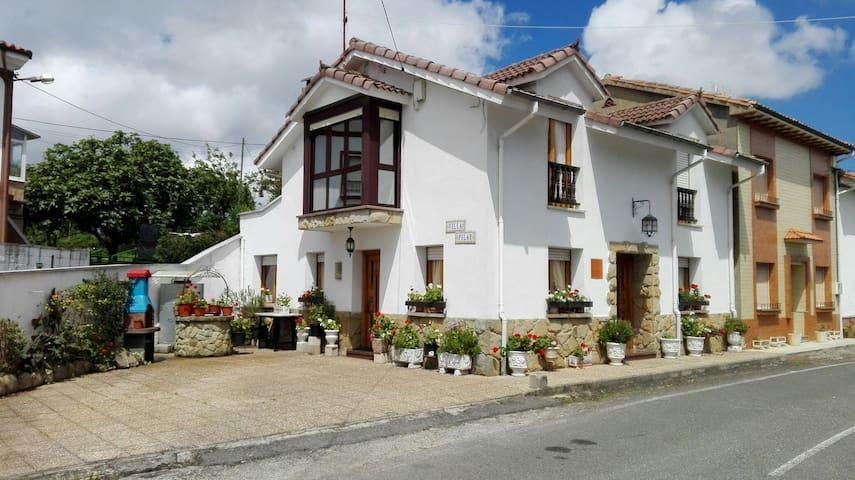 House Villa Pilar - la llovera - บ้าน
