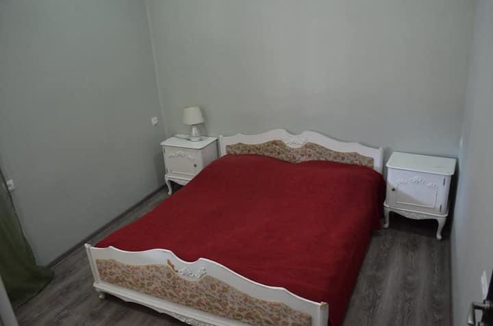 19 INN, Room №2