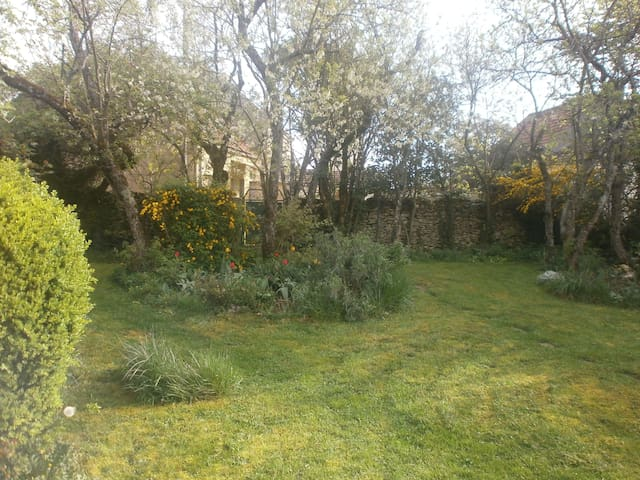 Cottage bij Vezelay met tuin - Vézelay