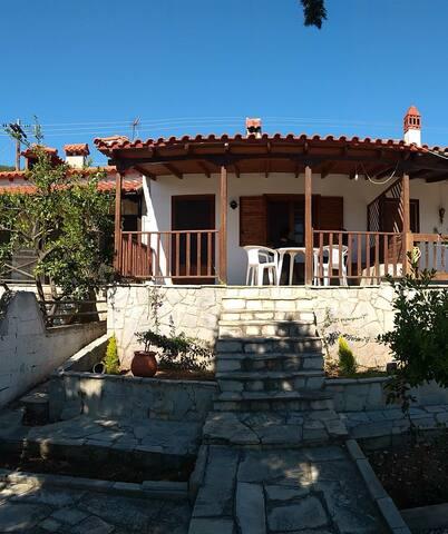 House Alektor