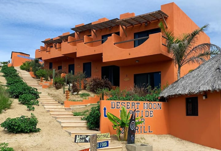 Cerritos Beach Hotel, Desert Moon, Breakfast Inc Q