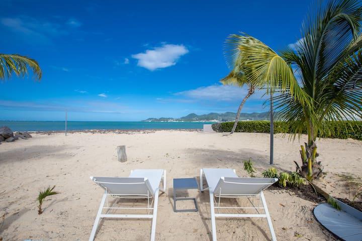 Ti Case*- Beachfront Apartment Close to restaurant
