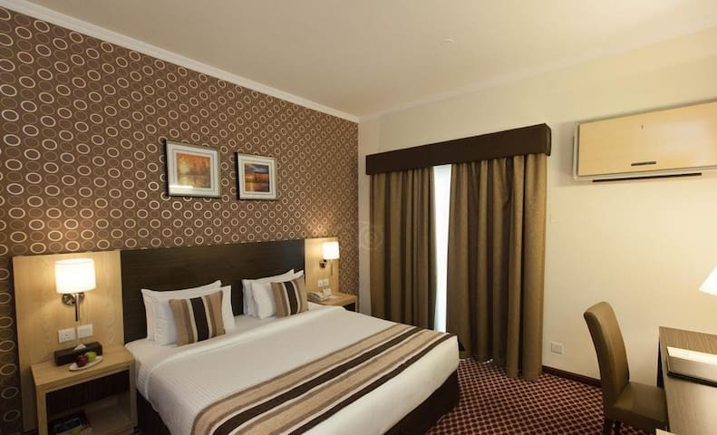 Excellent Room For Two In Dubai