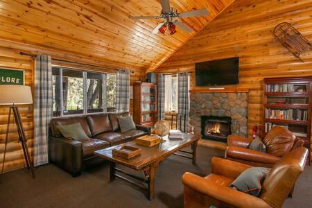 Dog friendly | Backyard | Fireplace | Smart TV | Netflix