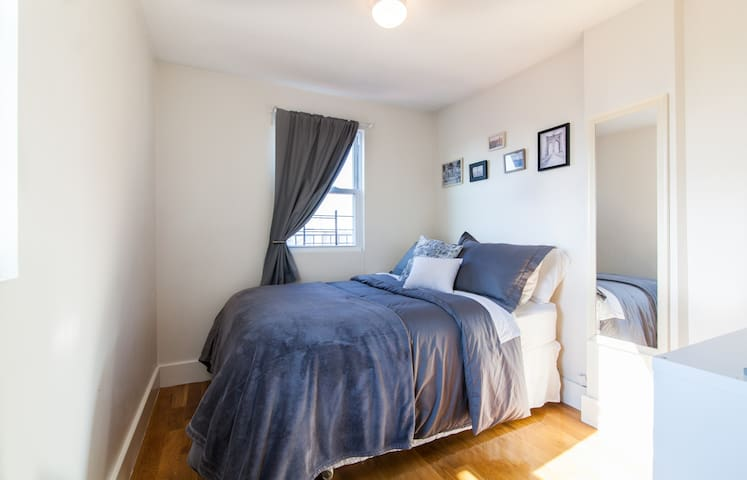 Private Bedroom in Williamsburg!
