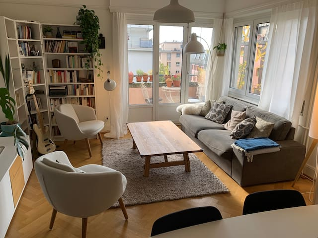 Beautiful, spacious and calm 3.5 rooms, central