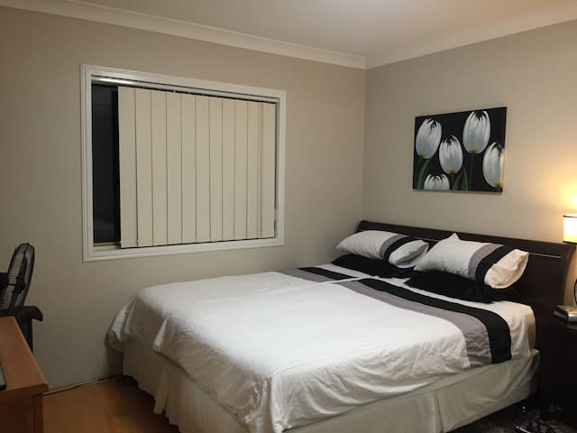 Immaculate, Close to Airport - Matraville - Lägenhet