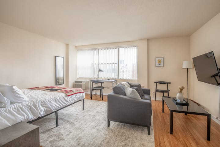 Arch, Dome, Dtown | Free Parking + Roof | Zencity