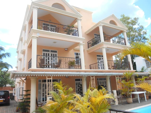 appartement 95m2 2ch/2sdb avec piscine MONT CHOISY
