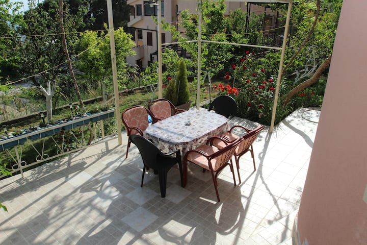 """Apartment in a quiet area with a great seaview """"4"""""""