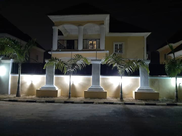 Self catering apartment, Gwarinpa