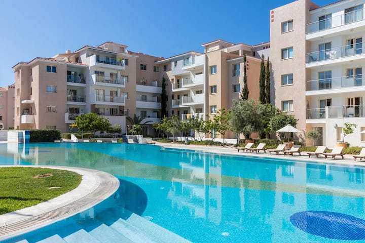 Modern 1 bedroom apartment in Elysia Park Pafos