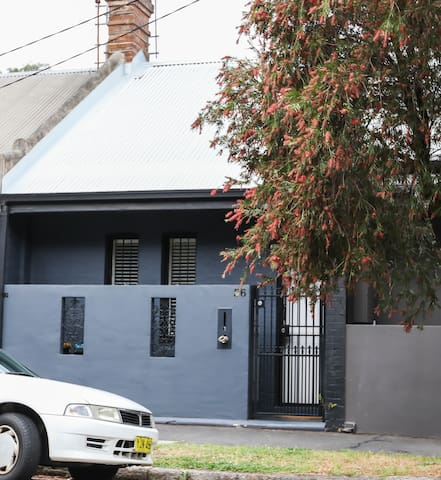 Great location, close to city, cafes, bus & ferry - Rozelle - Ev