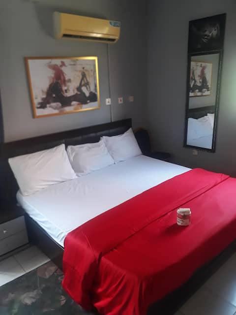 Cosy Room1 @City Centre+24/7 Powr,Ac,Dstv,Security