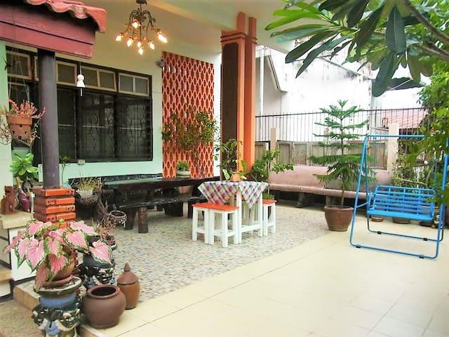28 Rachabutr Hostel,Moon River view - Ubon Ratchathani - Rumah