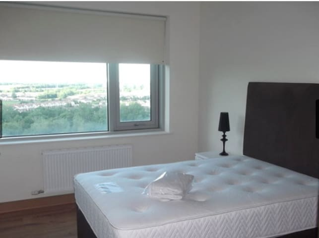 Ensuite With Own Mini Kitchen Airport/City Centre - Dublin - Flat