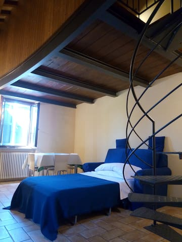 apartment in a cottage - Urbino - Apartemen