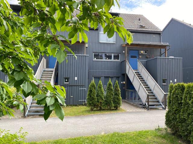 Koselig Asker-hjem med utsikt nær marka