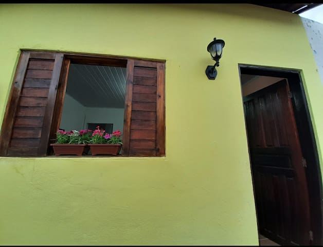 Casa Amarela- Centro Iporanga/ Petar