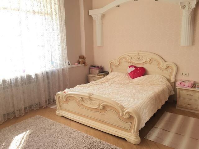 Rent an elite apartment on Pushkinskaya Street