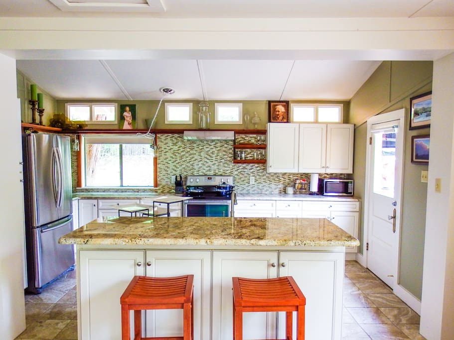 Outstanding kitchen with all you'll need to cook up a great meal
