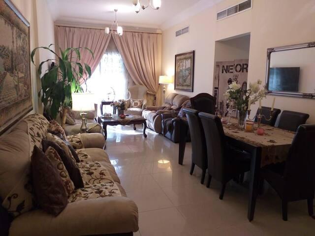Cosy & Homey 2 Bedroom Huge Flat