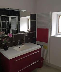 La Grange, 3 bedroom barn conversion in Bourgogne - Change - Loma-asunto